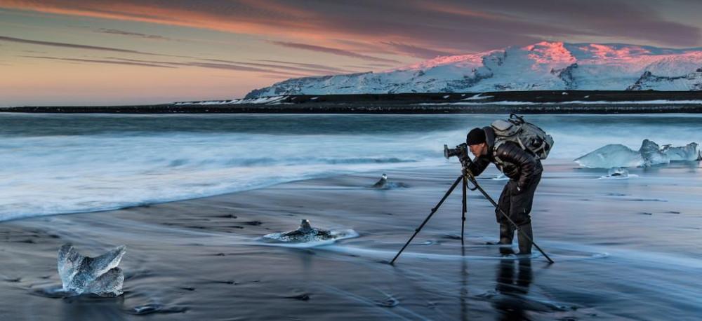 Сильный снегопад в Исландии превратил страну в зимнюю сказку