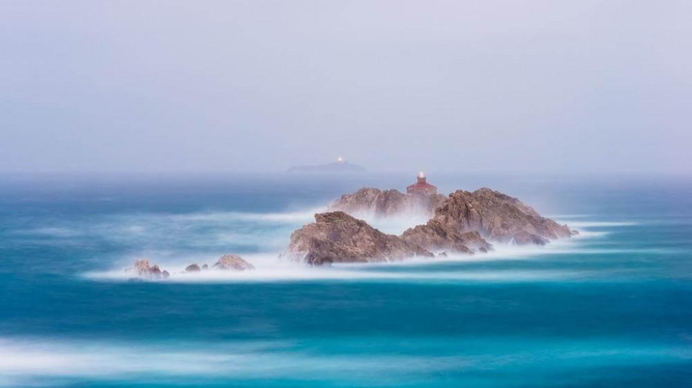 Быть маяком, светящим в океане